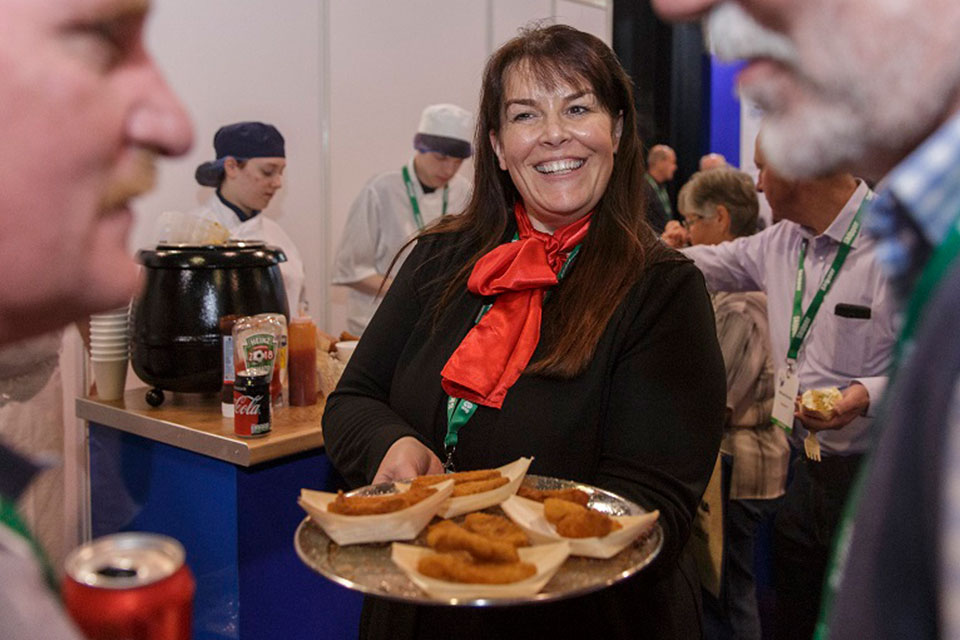 Box Pool Solutions' Stand Hands Out Over 8,500 Seafood Tasters!