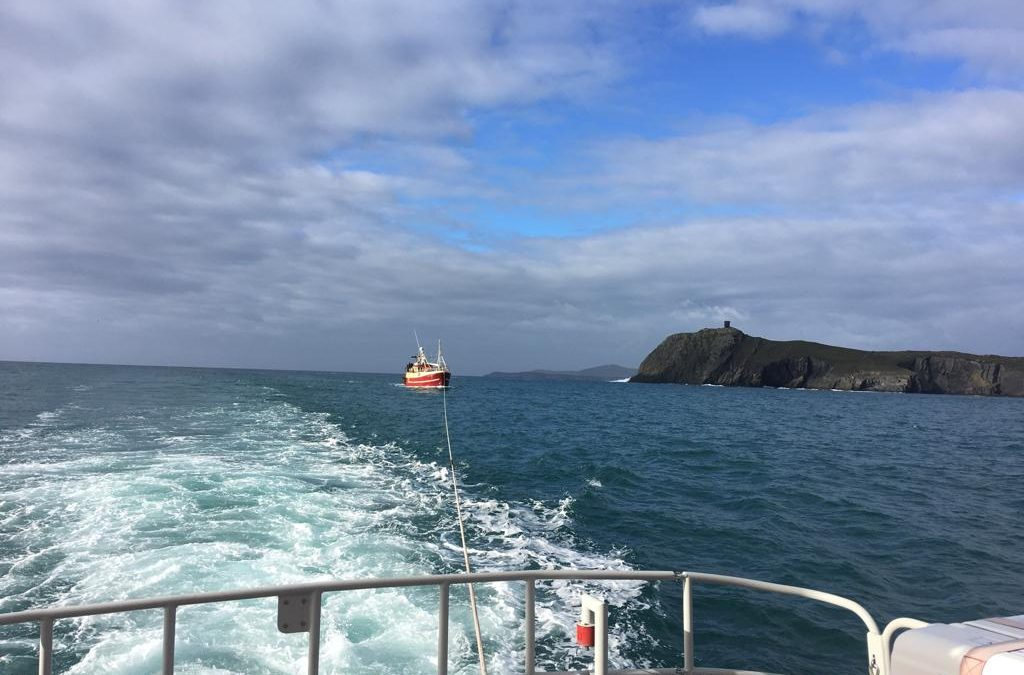 Castletownbere RNLI tows fishing vessel to safety