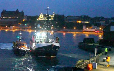 Scarborough RNLI rescues fishing vessel under cover of darkness