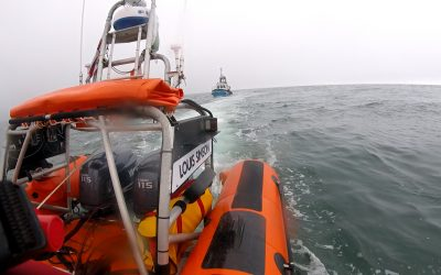Skerries RNLI tow fishing boat with fouled propeller to safety