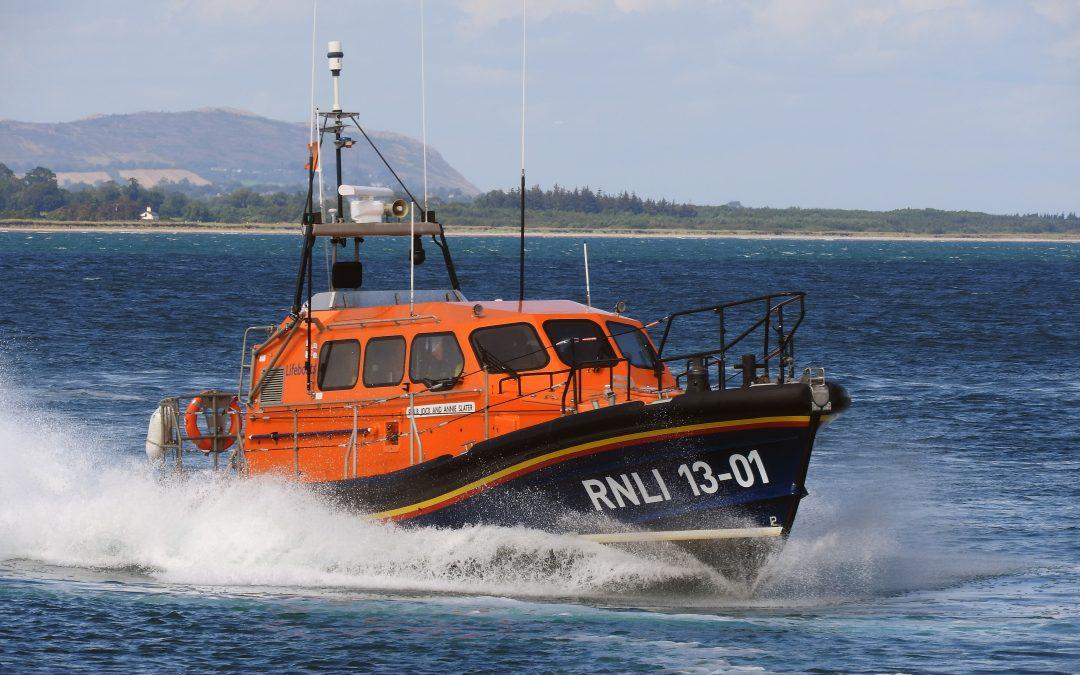 Wicklow RNLI brings three fishermen to safety