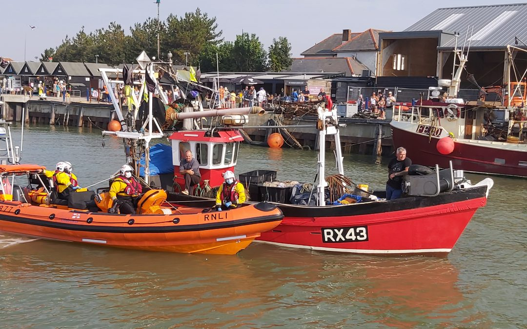 Whitstable RNLI lifeboat assists fishing vessel